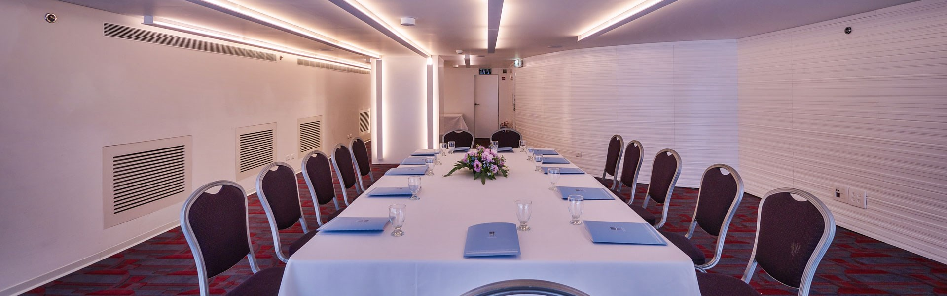 Conference rooms in Metropolitan Hotel